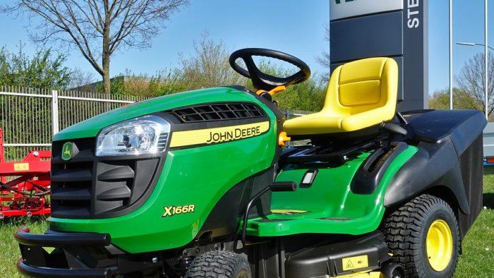John Deere X166R
